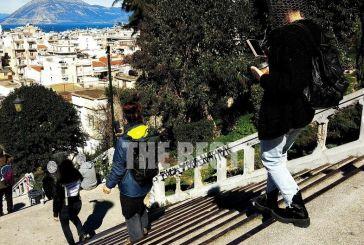 Πάτρα: Έβαλαν σύρματα στο κεφάλι και βγήκαν στους δρόμους – Γιατί διαμαρτυρήθηκαν