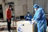 Αγρίνιο: Μεγάλη προσέλευση για τα rapid tests στην είσοδο του Δημαρχείου