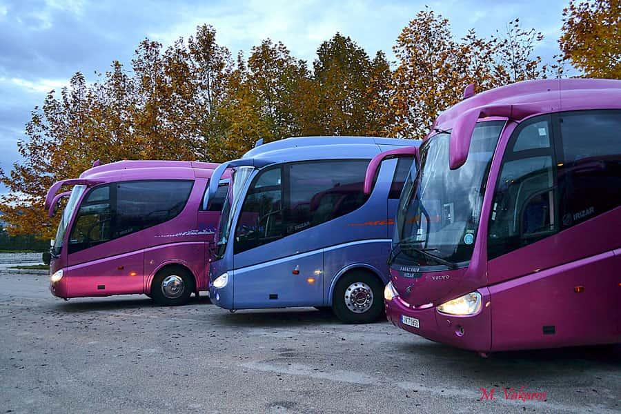 Μειώνονται τα τέλη κυκλοφορίας για τα τουριστικά λεωφορεία