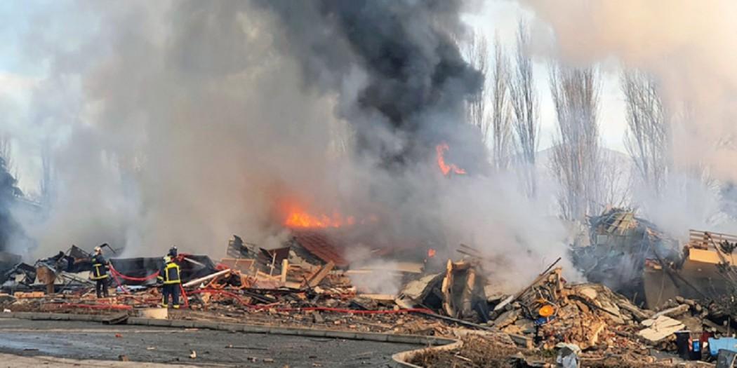Καστοριά: Εικόνες απόλυτης καταστροφής μετά την έκρηξη που γκρέμισε το 4ώροφο ξενοδοχείο