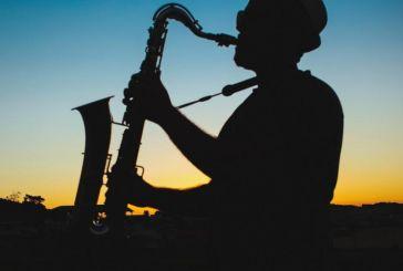 Κατάστημα εστίασης ζητά μουσικό σχήμα για εργασία