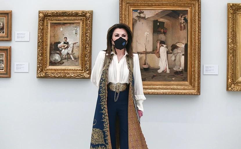"""""""Όλα τα λεφτά"""" η πρόταση Παπανικολάου για Γιάννα Αγγελοπούλου στο Αγρίνιο με παραδοσιακή φορεσιά !"""