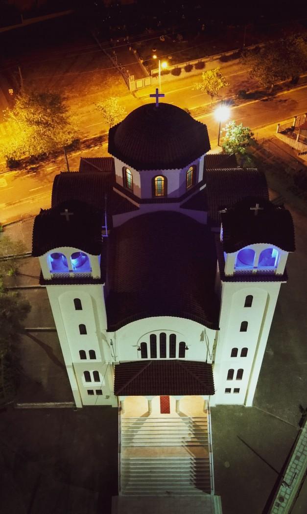 Το εκκλησάκι-στάση για τους πεζοπόρους που έγινε μεγαλόπρεπος ναός: Η Αγία Βαρβάρα Αγρινίου (βίντεο)