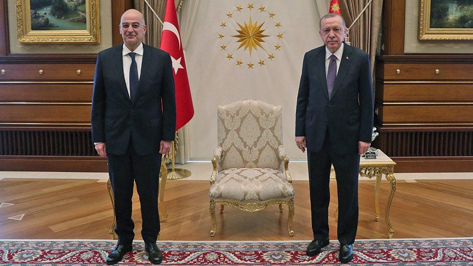 Ολοκληρώθηκε η συνάντηση Δένδια – Ερντογάν