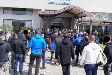 Οι οργανωμένοι του Παναιτωλικού στο ξενοδοχείο για να «ντοπάρουν» τους παίκτες