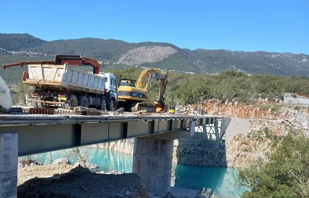 Όχι, η νέα γέφυρα Τέμπλας δεν θα δοθεί σύντομα στην κυκλοφορία…