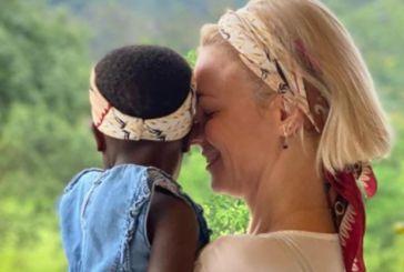 Γιατί ζει στην Ουγκάντα η Χριστίνα Κοντοβά: Η ανάρτηση της Βαλτινιάς σχεδιάστριας για την υιοθεσία της Έιντα