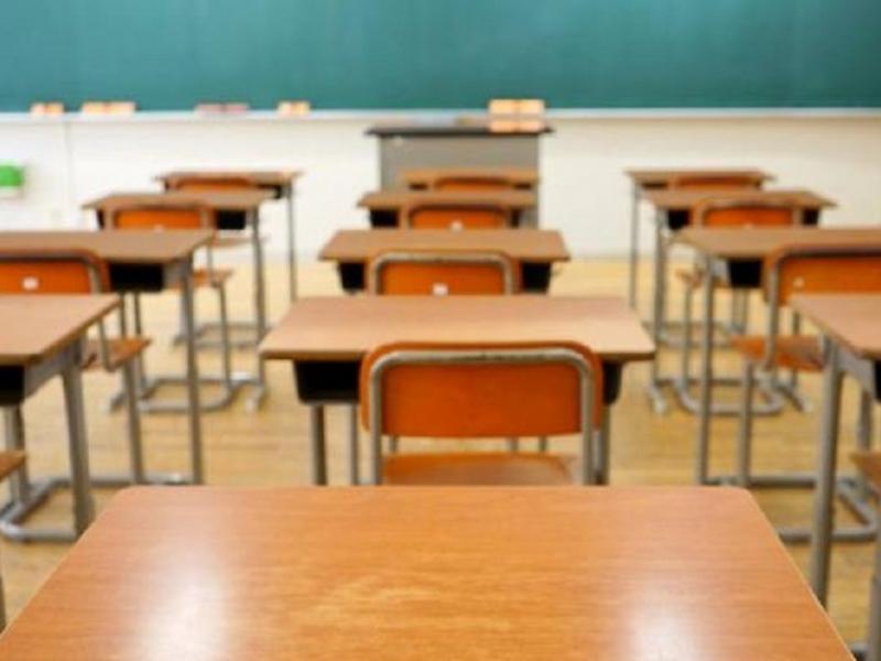Συνεχίζεται το «σίριαλ» στο Μεσολόγγι: οι καθηγητές καλούν το Υπουργείο να ανακαλέσει το άνοιγμα των σχολείων