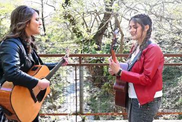 «Το '21»: Οι Αγρινιώτισσες Παναγιώτα Θεοδωροπούλου και Κλεοπάτρα Στούμπου στο νέο τραγούδι τους