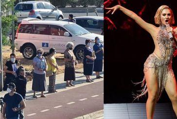 Κύπρος: Με πανό, εικόνες και προσευχές ξορκίζουν το «El Diablo» έξω από το ΡΙΚ – Βίντεο και φωτογραφίες