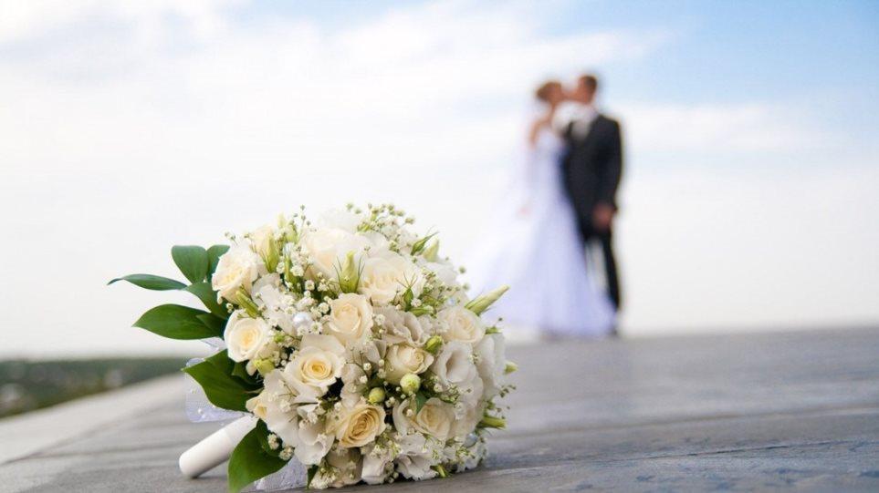 Άρση lockdown: Γάμοι και βαφτίσεις με έως 100 άτομα από τον Ιούνιο