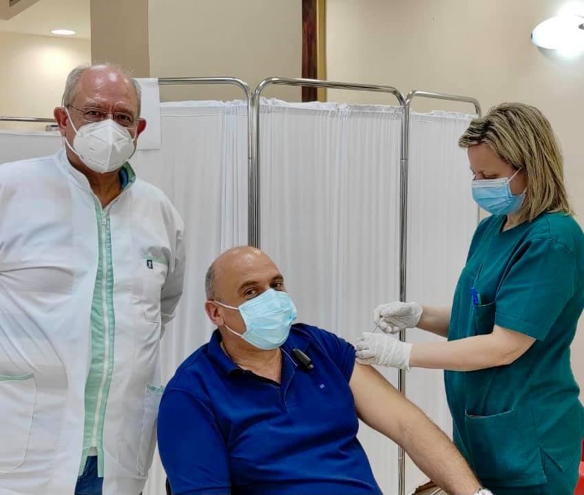 Εμβολιάστηκε ο δήμαρχος Ναυπακτίας