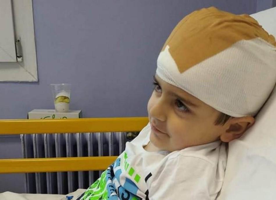Η Λευκάδα στο πλευρό του 5χρονου Άγγελου που διαγνώστηκε με όγκο στον εγκέφαλο