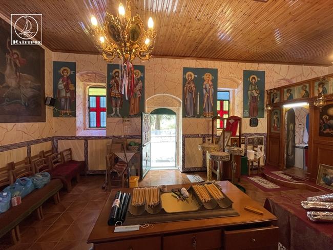 Ο εσπερινός από το ξωκλήσι της Αγίας Τριάδας Αμφιλοχίας, στο Κάστρο Λιμναίας