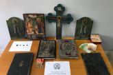 Ιωάννινα: Έπιασαν αρχαιοκάπηλο ιερέα με Ευαγγέλιο του 19ου αιώνα, εκκλησιαστικά κειμήλια και νομίσματα