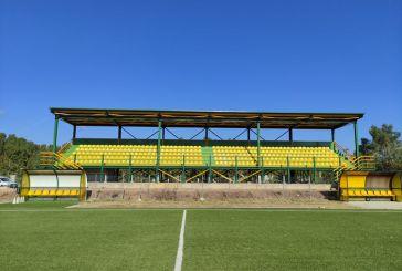 Αναβαθμίζεται το γήπεδο Παλαίρου, άλλαξε εικόνα η εξέδρα (φωτό)