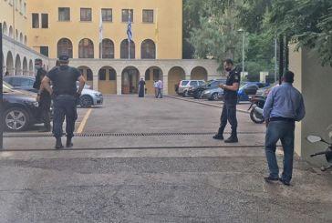 Ιερέας έριξε βιτριόλι σε επτά μητροπολίτες στη Μονή Πετράκη – Σοβαρά τραυματίες οι τρεις