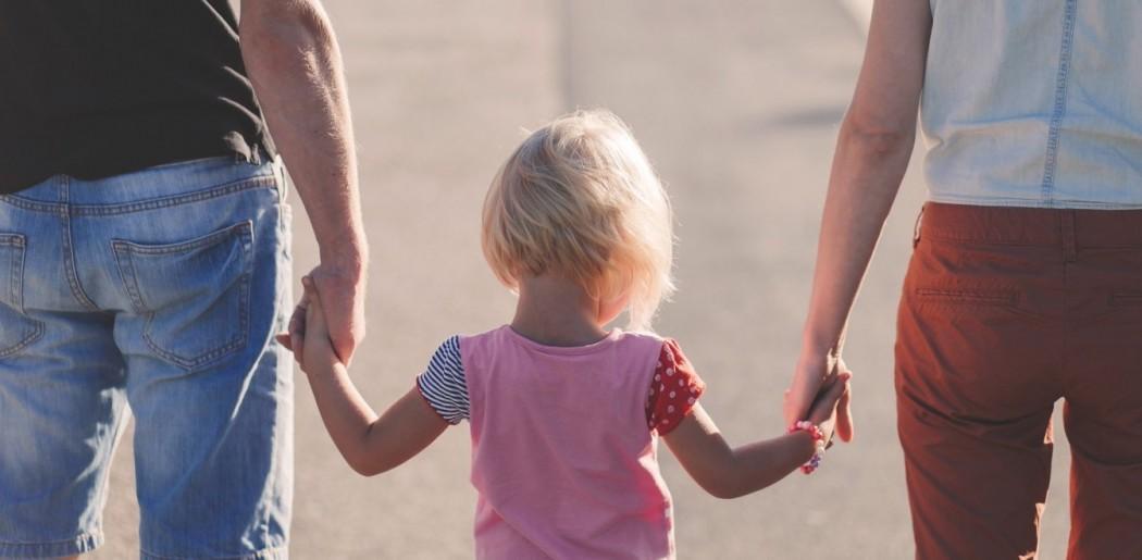 Εργασιακό νομοσχέδιο: Όλες οι αλλαγές στις γονικές άδειες