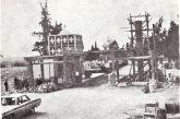 Η πύλη του Δημοτικού Νεκροταφείου Αγρινίου κατά την κατασκευή της