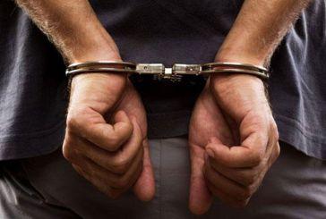Δυο συλλήψεις για ναρκωτικά και στιλέτο στην περιοχή της Αμφιλοχίας