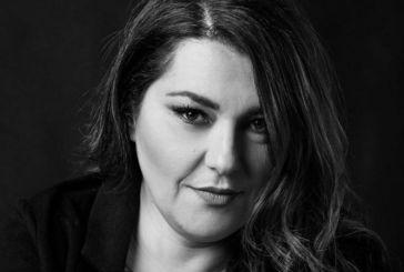 """Συγκινεί η Κατερίνα Ζαρίφη για την 14χρονη Γωγώ – «Δεν πιάνει πια χώρο """"η χοντρή"""" στην τάξη σου»"""