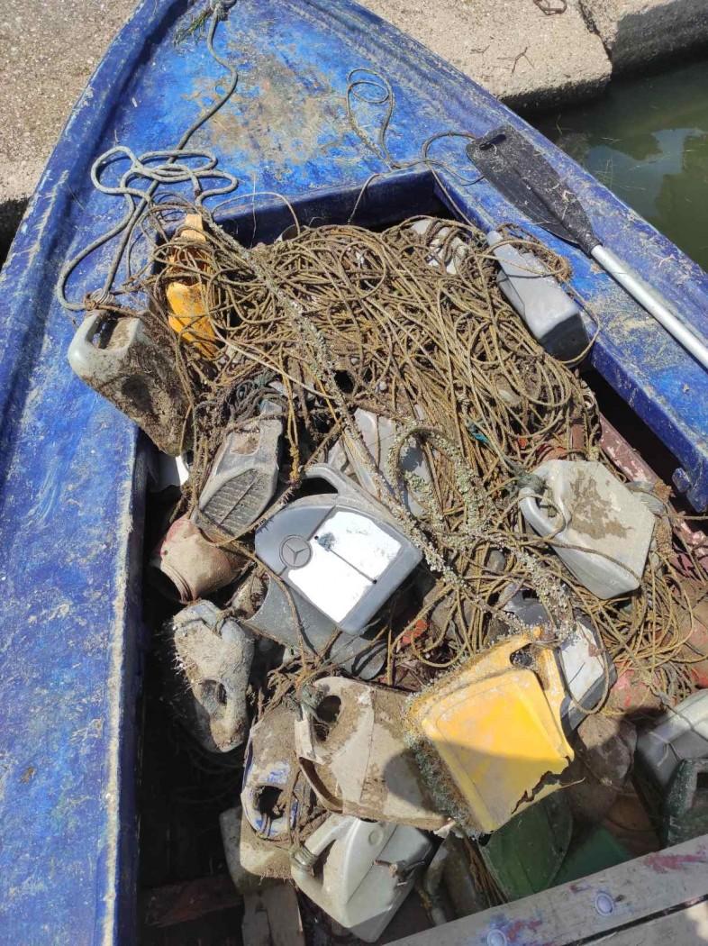 Aπανωτά χτυπήματα στην παράνομη αλιεία από το Λιμεναρχείο Μεσολογγίου- εντόπισε 180 παράνομες ιχθυοπαγίδες