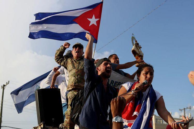 Eργατικό Κέντρο Αγρινίου:«αλληλεγγύη στους εργαζόμενους και το λαό της Κούβας»