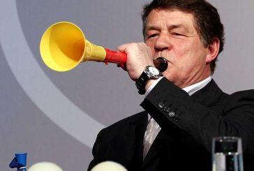 Euro 2004: Ο Ρεχάγκελ τραγουδάει τον Εθνικό ύμνο στο τρέιλερ της ταινίας «Βασιλιάς Οττο»