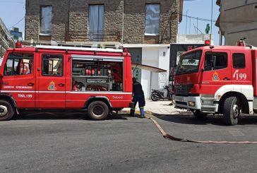 Μεγάλη κινητοποίηση για φωτιά σε ψητοπωλείο στο κέντρο του Αγρινίου
