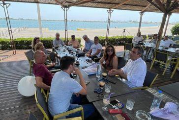 Συναντήθηκαν με Βαρουφάκη μέλη της Επιτροπής Αγώνας ενάντια στην ΠΟΑΥ του Δήμου Ξηρομέρου