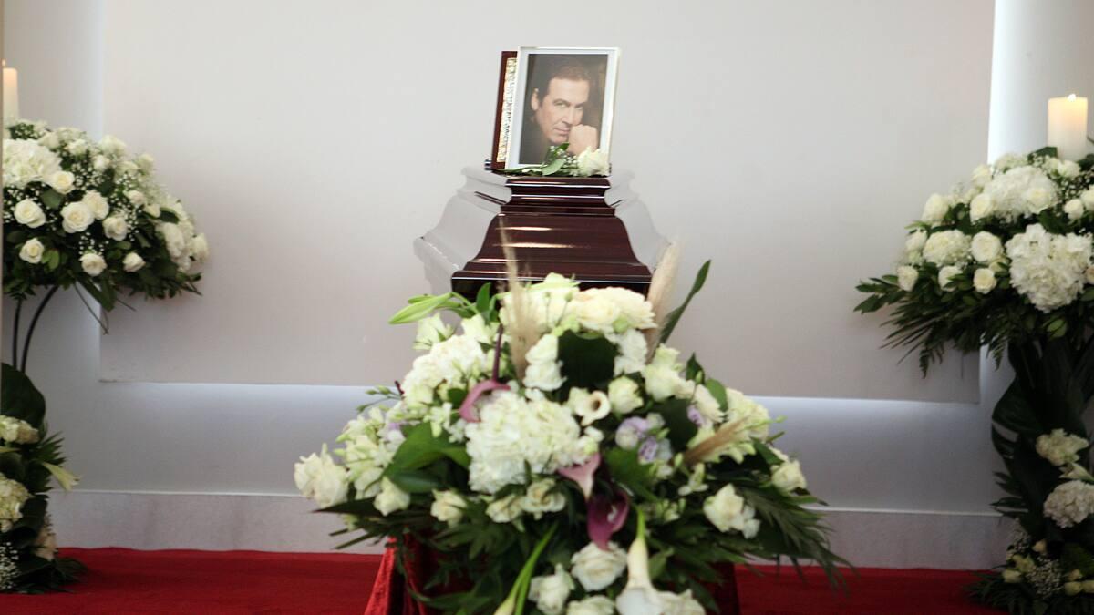 Οδύνη και σεβασμός στο τελευταίο αντίο στον «Πρίγκιπα» του ελληνικού τραγουδιού, Τόλη Βοσκόπουλο
