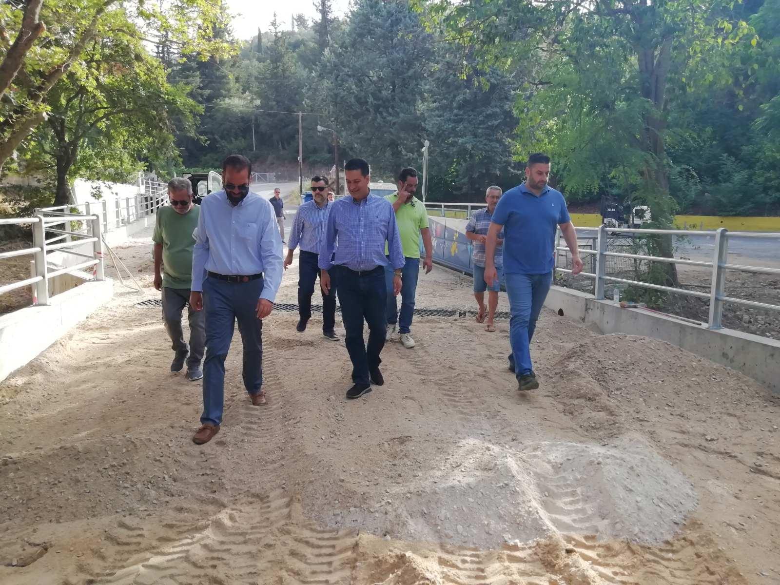 Αγρίνιο: Ο Φαρμάκης στο γεφύρι στα Δύο Ρέματα που ανακατασκευάστηκε