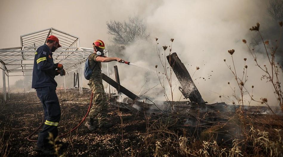 Φωτιά στη Βαρυμπόμπη: Κίνδυνος μπλακ άουτ στην Ανατολική Αττική – Έκτακτη σύσκεψη