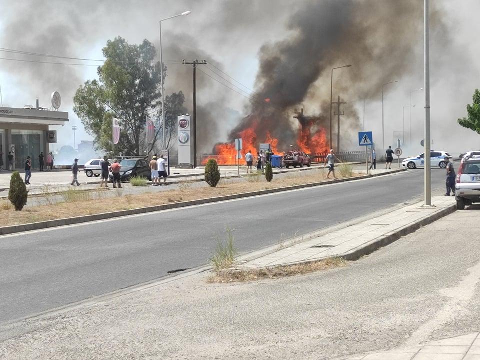 Αγρίνιο: αναστάτωση από μεγάλη φωτιά κοντά στην εθνική οδό (φωτο-βίντεο)