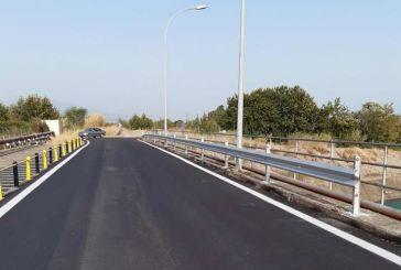 Ασφαλτόστρωση στη γέφυρα της ΔΕΗ στον Αχελώο