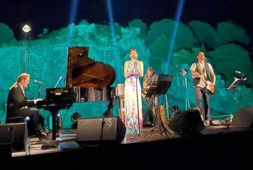 «Μαγική» βραδιά στο Νεώριο Αρχαίων Οινιαδών στη συναυλία Κορκολή – Μανουσάκη