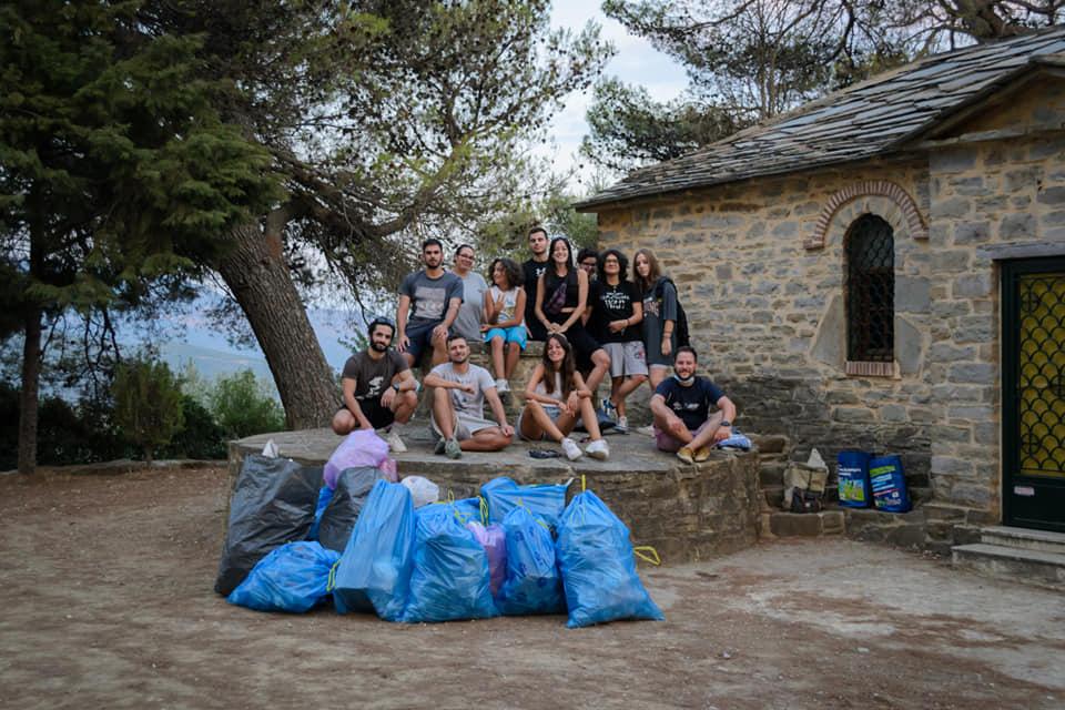 Αγρίνιο: μπράβο σε αυτούς τους εθελοντές!