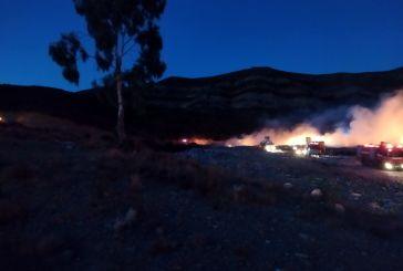 Κλιμάκιο του ΚΚΕ στη φωτιά στο ΧΥΤΑ Μεσολογγίου