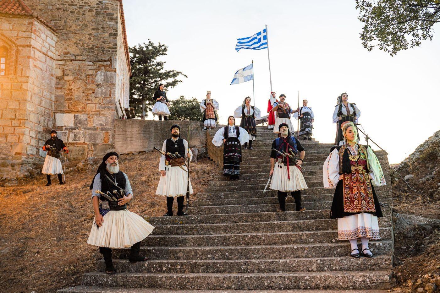 Αγγελόκαστρο: Εντυπωσίασε η ιστορική εκδήλωση για τα «200 χρόνια Λευτεριάς, στο Κάστρο των Αγγέλων»