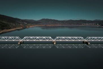 Πολλές γέφυρες στον Αχελώο, μία όμως μεταλλική-βίντεο που καθηλώνει