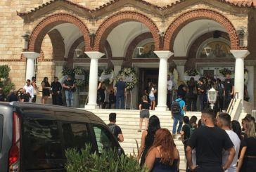Σε κλίμα οδύνης η κηδεία του Mad Clip στο Φάληρο