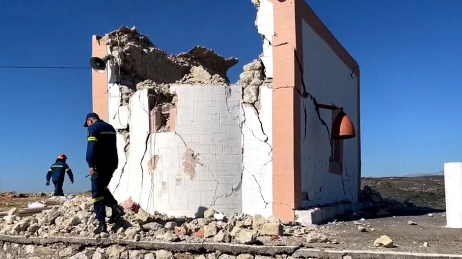 Σεισμός στο Ηράκλειο: Ενας νεκρός στο Αρκαλοχώρι, εννιά τραυματίες- Ζημιές σε σπίτια κι εκκλησίες