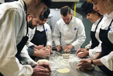 Εξειδίκευση, έμπνευση και πρακτική γνώση γίνονται τα όπλα των νέων σεφ της Ελλάδας