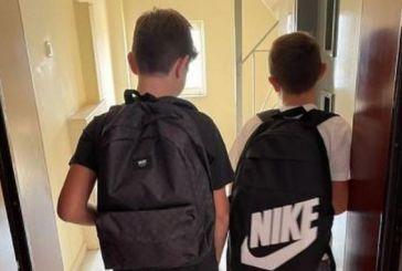 Τσίπρας: η φωτογραφία με τα παιδιά του να πηγαίνουν στο σχολείο