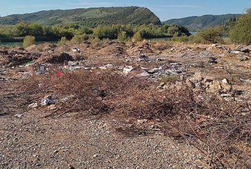 Ανεξέλεγκτη χωματερή στο Καστράκι περιμένει να βρεθεί ποιος έχει την ευθύνη