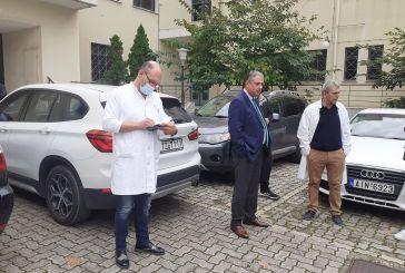 Ο Καρβέλης παρουσίασε την κινητή Μονάδα Εμβολιασμού της 6ης ΥΠΕ