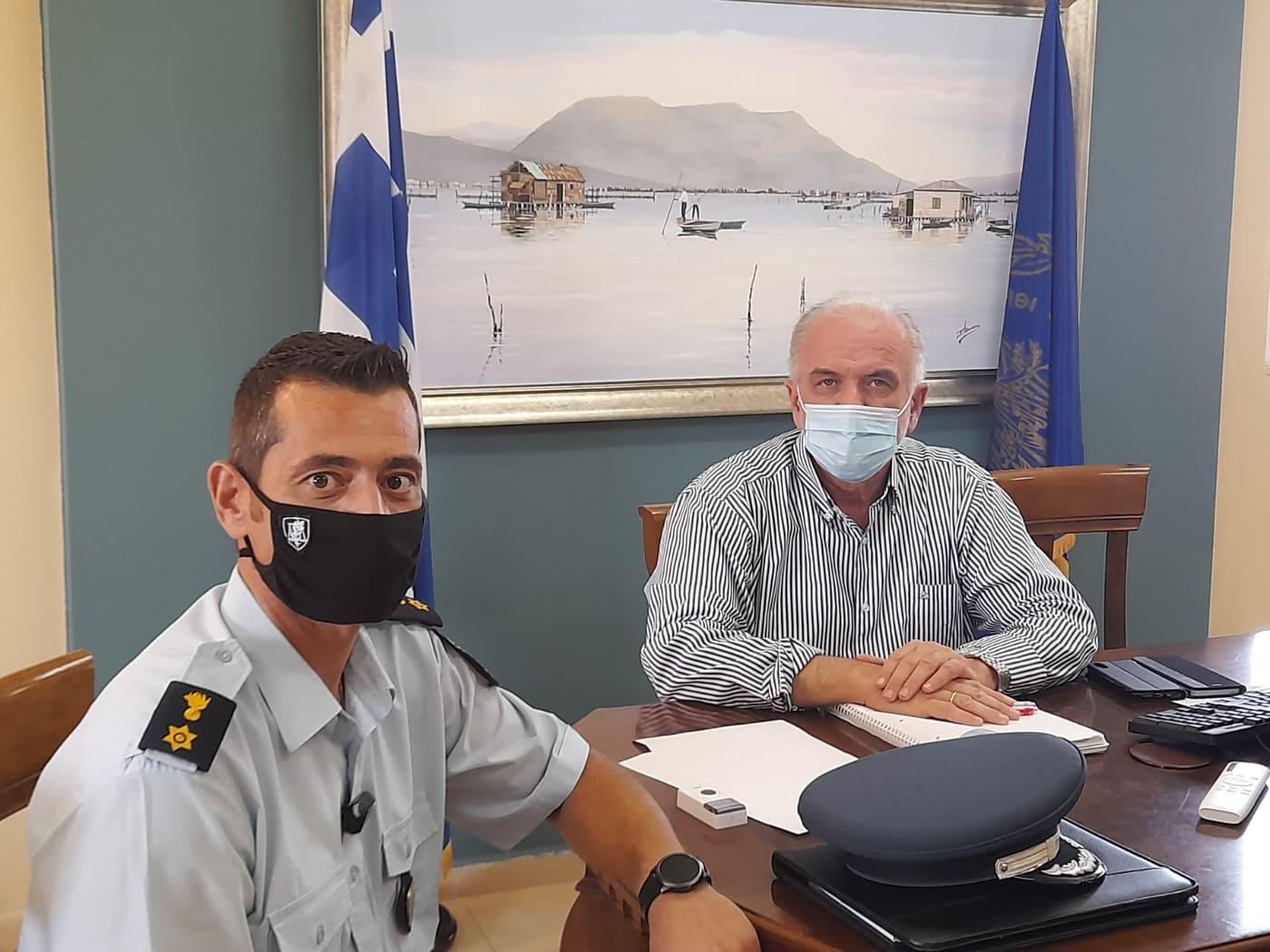 Μεσολόγγι: Οδηγική ασφάλεια και υποστελέχωση επί τάπητος στη συνάντηση Λύρου – διοικητή Τροχαίας Αιτωλίας