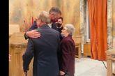 Ο Μπακογιάννης πάντρεψε στο δημαρχείο ένα ζευγάρι 87 και 85 ετών