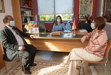 Με κάθε επισημότητα τα Εκπαιδευτήρια «Παναγία Προυσιώτισσα» υποδέχθηκαν τον Πρέσβη της Ινδίας στην Ελλάδα