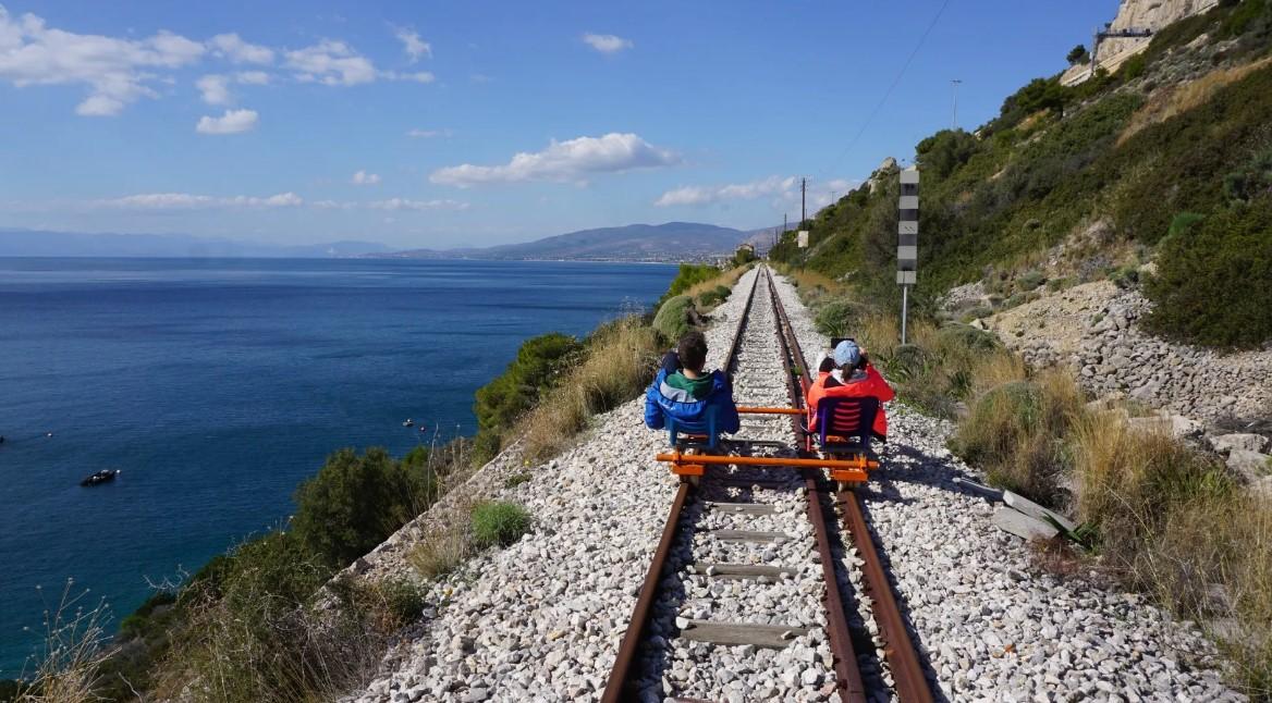 Αφού τρένο στο Αγρίνιο δεν βλέπουμε γιατί δεν το ρίχνουμε στον σιδηροδρομικό ποδηλατοτουρισμό;